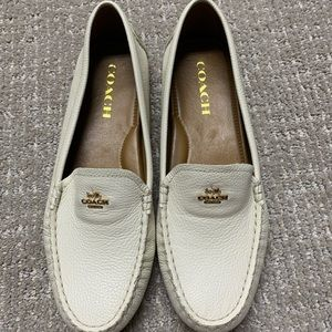 COACH Amber Pebble Grain Leather Chalk Loafer